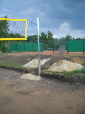 Sportplatzbau - Fundament Pfosten Beachvolleyballnetz