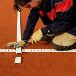 Tennislinierung Neuverlegung - Anpassen und Abs+ñgen der Endpunkte von Spannlinien mit verstärkten Enden